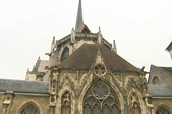 Les travaux de rénovation de la cathédrale Saint-Bénigne s'achèveront en 2017.