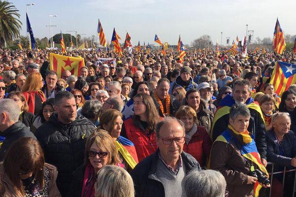 Le parking du Parc des Expositions de Perpignan s'est vite rempli le samedi 29 février pour le meeting de l'indépendantiste catalan Carles Puigdemont.