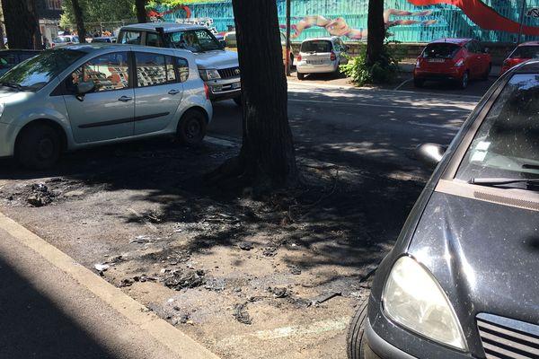 Deux voitures ont été incendiées sur le boulevard Gambetta.