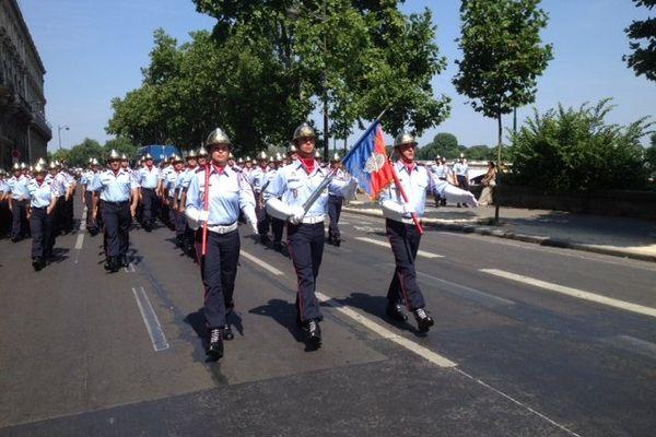 Les pompiers de Bretagne ont défilé sur les Champs-Elysées