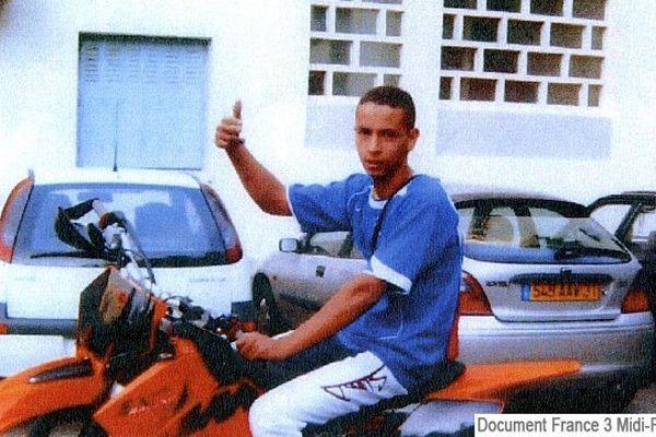 Merah en 2006 sur une moto appartenant à Essid