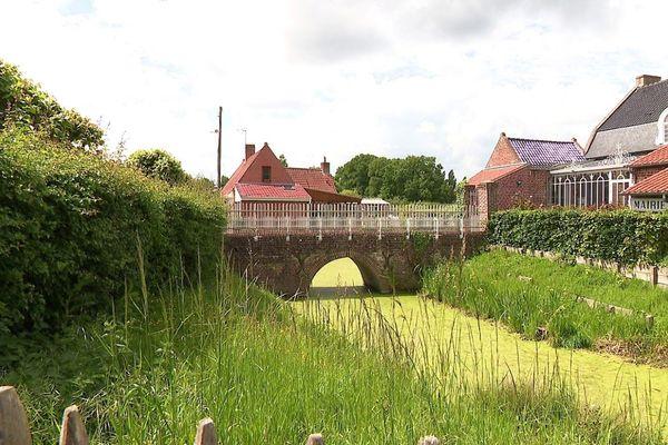 Les canaux autour de la d'oude pastorie de Rubrouck