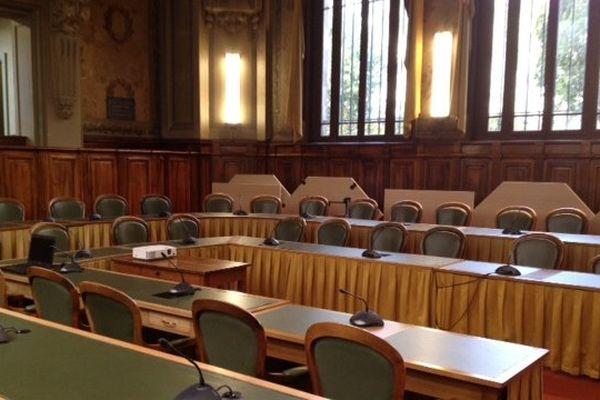L'ancienne salle où se réunissait le conseil général de la Haute-Vienne, dans les murs de la préfecture à Limoges, sera le cadre de plusieurs grands débats consacrés aux municipales sur France 3 Limousin