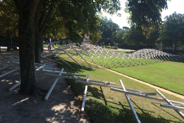 La performance s'est installée tout le week-end dans le parc du Thabor, à Rennes.