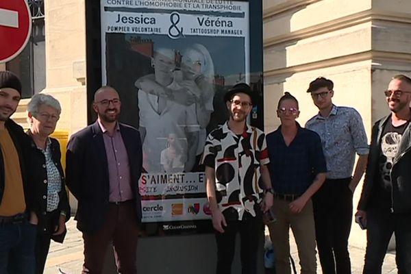 De nombreuses affiches contre l'homophobie sont présentes dans toute la ville de Dijon.