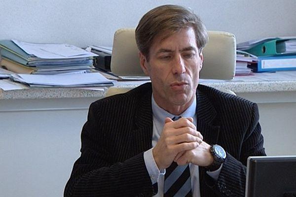 Gabriel Lienhard, proviseur du lycée Condorcet en décembre 2010 au moment de la mort de Pierre Nasica.