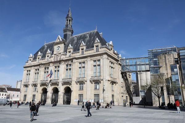 La mairie de Saint-Denis.