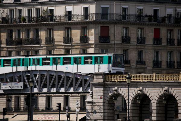 Plusieurs stations de métro sont fermées en raison de la manifestation annoncée à Paris (illustration).