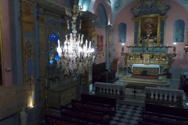 La Chapelle de la très Sainte Trinité et du Saint Suaire à Nice, filmée par un drone.