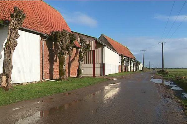 La commune de Canteleux n'est désormais plus qu'un hameau de Bonnières.