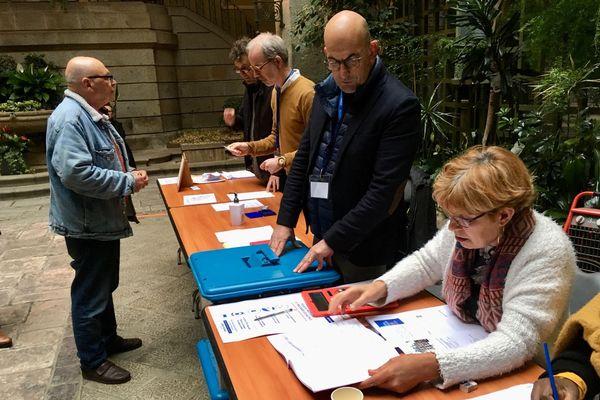 Un bureau de vote à Saint-Brieuc