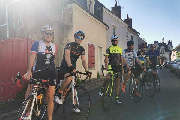 Benjamin Le Gall et ses amis triathlètes lors de la 15e étape de leur tour des communes de la Sarthe.