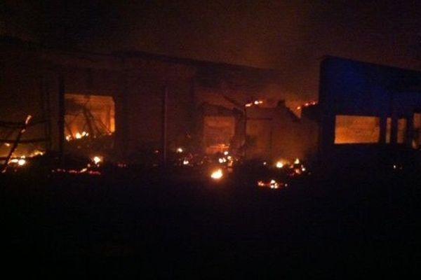 L' immeuble incendié vers 1 heure du matin
