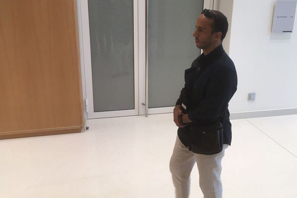 Farouk Ben Abbes à son arrivée au tribunal correctionnel de Paris.
