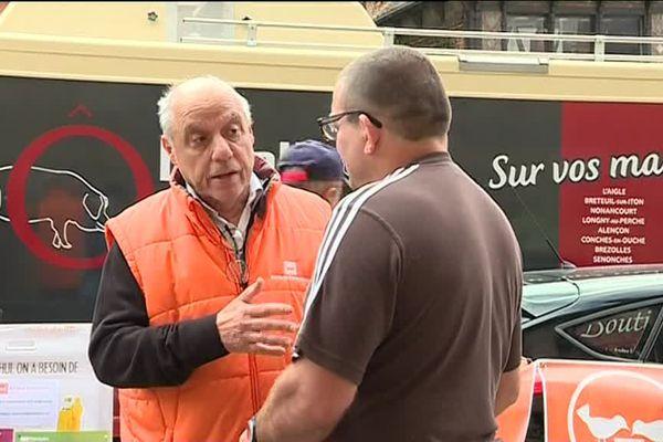 Denis Pautrel, président de la Banque alimentaire de l'Orne, fait la tournée des marchés pour alerter sur la situation délicate de l'association