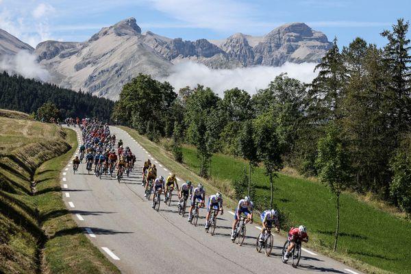 Le peloton lors de la 4ème étape du Tour de France 2020, le 1er septembre.