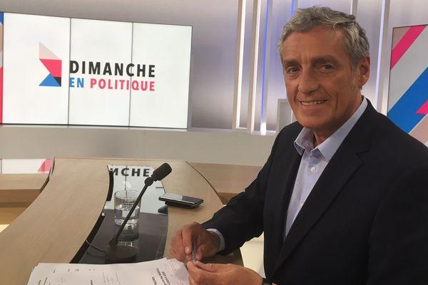 """Philippe Saurel est l'invité de Dimanche en politique. Face à la presse régionale, le maire de Montpellier a indiqué qu'il """"ne faisait pas la course avec Toulouse"""". Il avoue avoir d'excellentes relations avec le président de la République, affirme pour autant que son parti """"c'est Montpellier."""""""