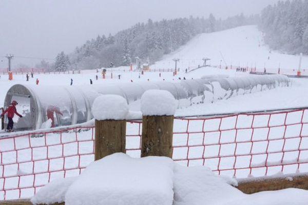 La neige tombe sur Ax 3 Domaines (10 janvier 2017)