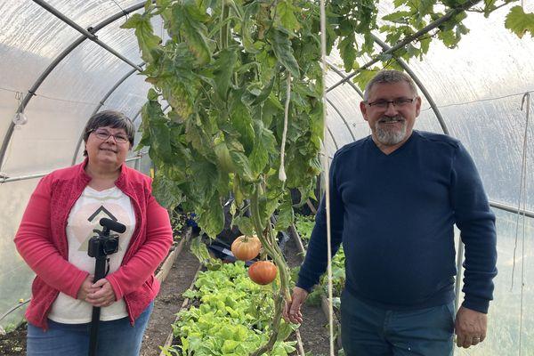 Lydie et Jacques réalisent des vidéos de jardinage chaque semaine
