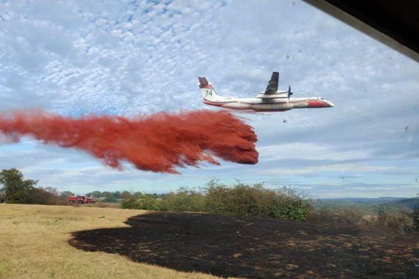 Un avion en provenance de Nîmes est venu prêter main forte aux sapeurs-pompiers à Montluçon.