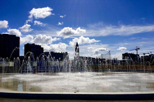 Le Havre en été entre la plage et le boulevard Clémenceau