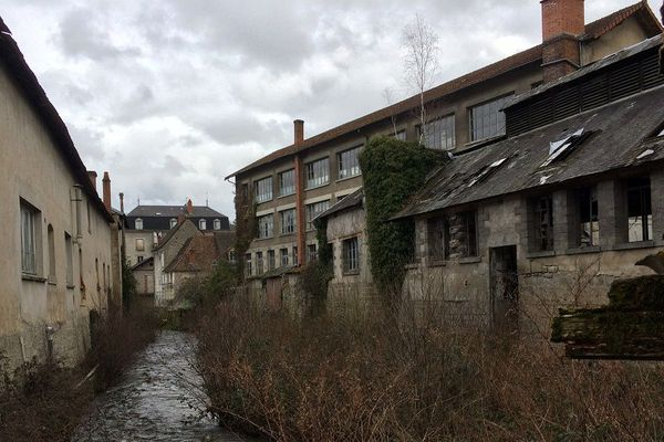 L'arrière des établissements Braquenié en plein coeur d'Aubusson