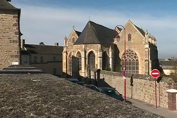 Un diacre résidant dans la paroisse de Torigny a été suspendu de ses fonctions pour des faits anciens de pédocriminalité dans son cercle familial.