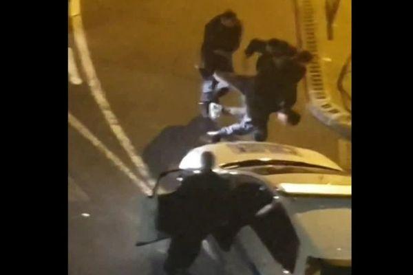 Des riverains ont filmé l'arrestation de Mohamed Gabsi par 3 policiers municipaux le soir de son arrestation et de son décès.