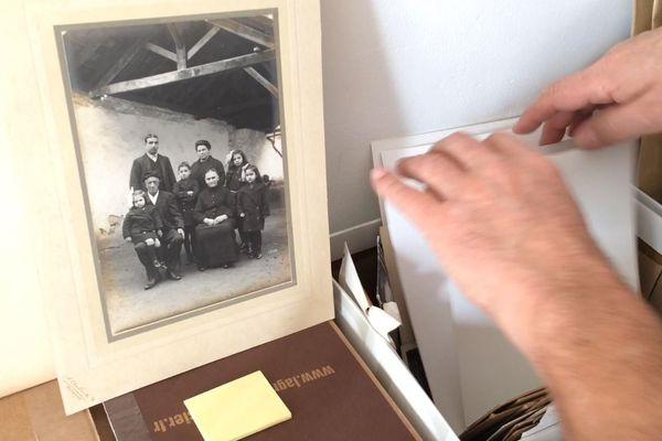 """La photo de famille trouvée par Gérard Lebègue avant la """"recomposition"""""""