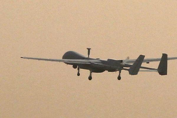 Un avion drone français de type Harfang en 2010 en Afghanistan