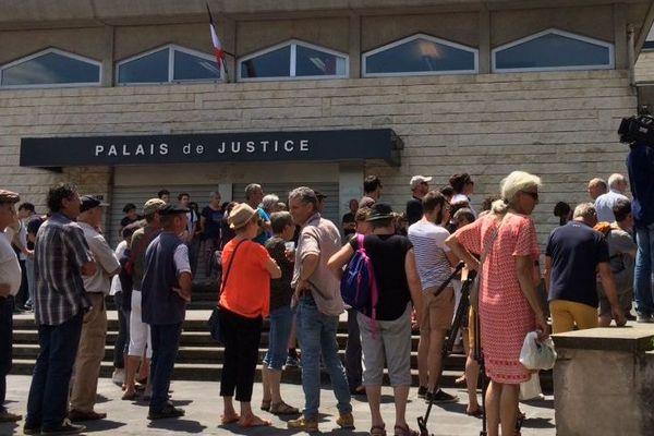 Rassemblement de soutien devant le palais de justice de Bayonne le 18 juin 2019.
