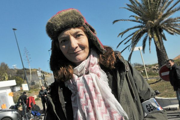 """Corinne Masiero, lors d'un tournage de """"Capitaine Marleau"""", à Sète en 2015."""