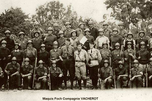 Photo de l'une des compagnies du Maquis Foch