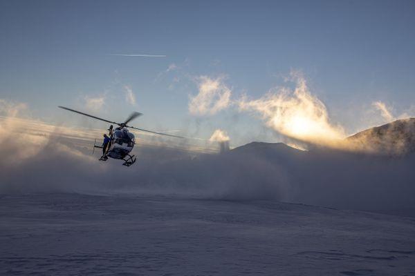 Dans les Alpes, le risque d'avalanche est particulièrement élevé début janvier 2021 à cause de fortes chutes de neige.