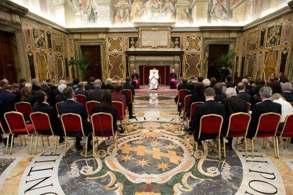 Le Pape François reçoit au Vatican une délégation de parlementaires français (15 juin 2013)