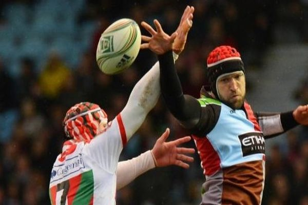 Biarritz s'incline face aux Harlequins