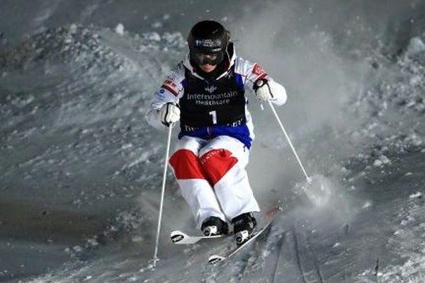 Perrine Laffont pendant la finale dames des Mondiaux de ski de bosses à Park City, dans l'Utah.