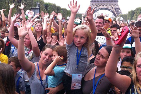 1200 enfants de Loire-Atlantique ont visité Paris aujourd'hui pour la journée des oubliés des vacances avec le Secours Populaire