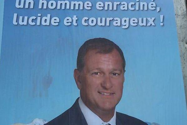 Panneau électoral du second tour des élections régionales en Languedoc-Roussillon-Midi-Pyrénées - 13 décembre 2015