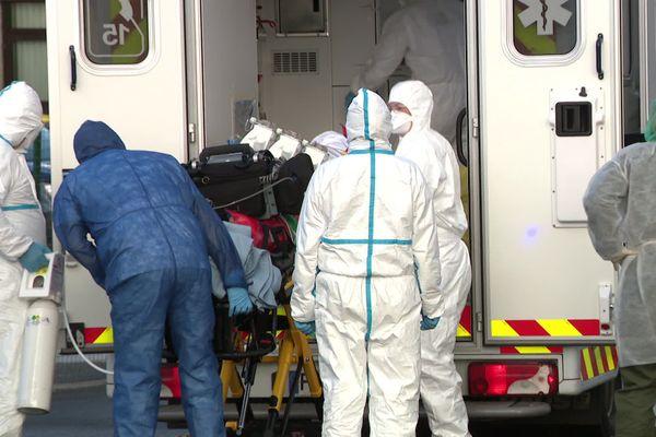 4 patients Covid évacués vers trois hôpitaux du Grand-Est depuis Besançon.