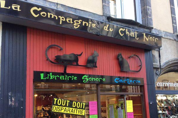 Après douze ans et demi, la Compagnie du Chat Noir préfère fermer ses portes.