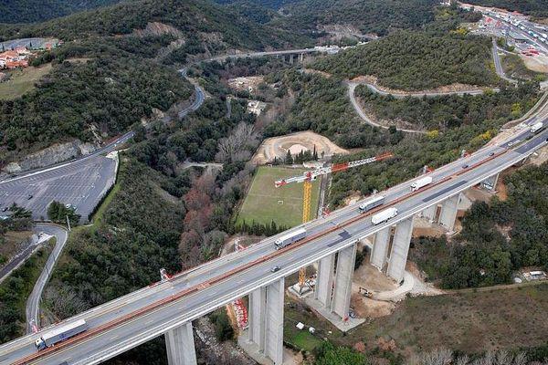 Le viaduc du Tech sur l'A9 entre Le Boulou et l'Espagne en travaux - 2018