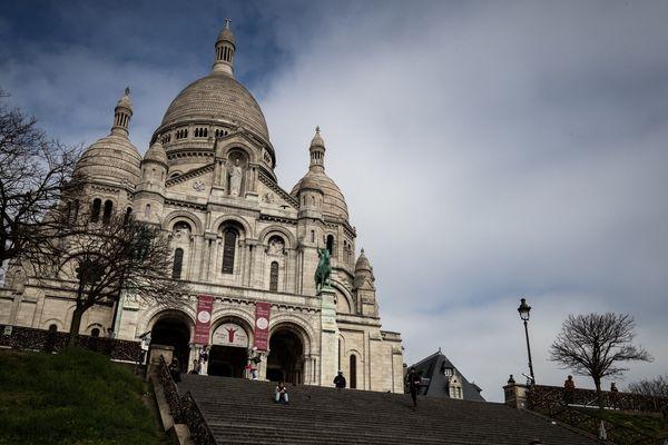 La basilique du Sacré-Cœur à Paris, mardi 17 mars, au premier jour du confinement.