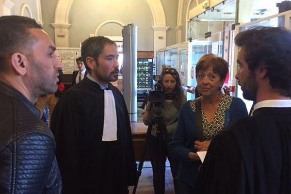 Les avocats des associations de commerçants du quartier Saint Jacques et des Droits de l'homme .
