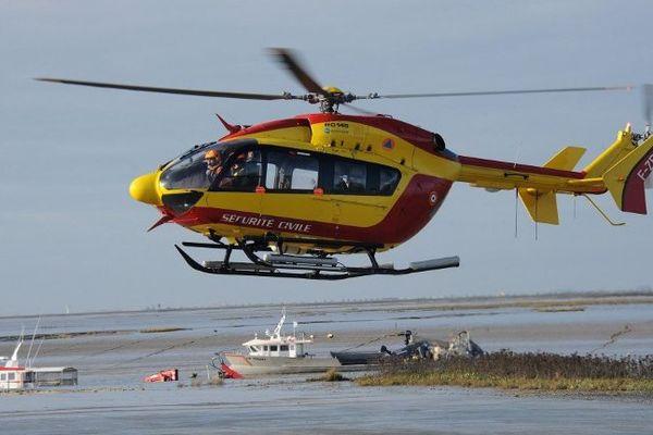 L'hélicoptère Dragon 17 de la sécurité civile basé à La Rochelle