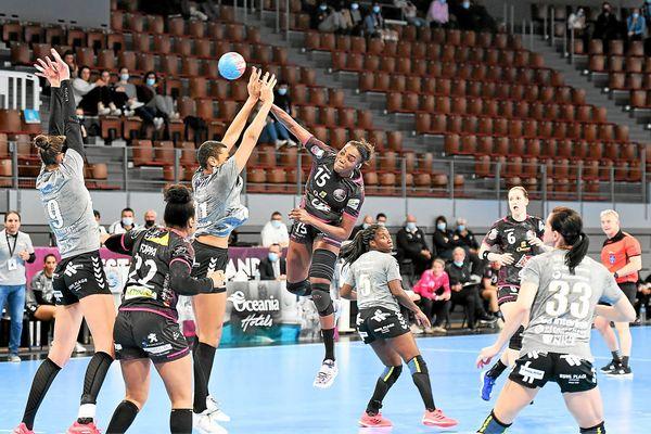 Les joueuse du Brest Handball Bretagne opposées à Nice lors des play-offs de ligue F (Ligue Butagaz)- 03/03/2021