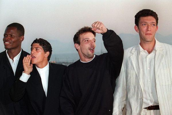 Hubert Koundé, Saïd Taghmaoudi, Mathieu Kassovitz et Vincent Cassel présentent le film La Haine au Festival de Cannes le 28 mai 1995.