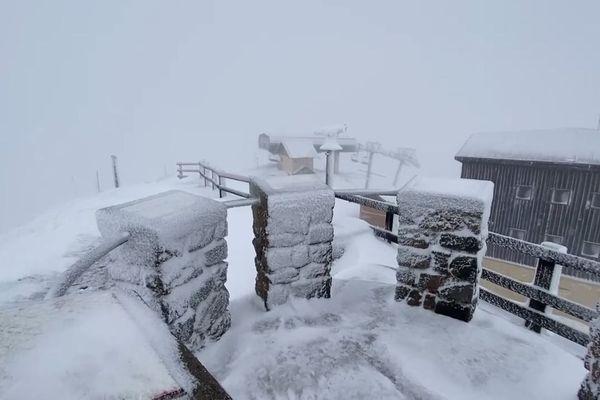 04/11/2019 - Une quarantaine de centimètres de neige fraîche sont tombés ce week-end dans les Hautes-Alpes, comme ici à Serre-Chevalier.