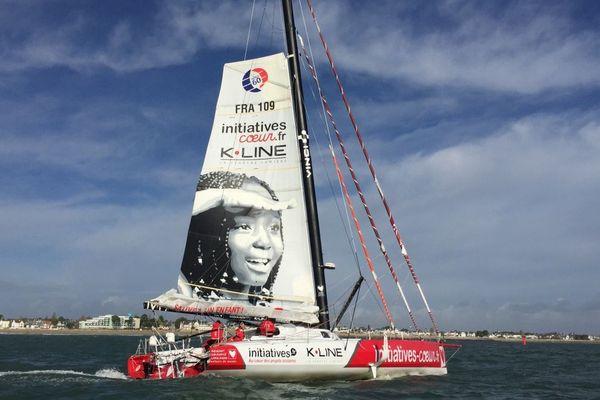 L'Imoca Initiatives Coeur de Samantha Davies de retour à Lorient, après abandon.