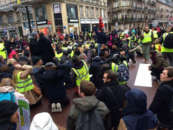 8 décembre 2018- Rouen : les marcheurs pour le climat font une halte rue de la République